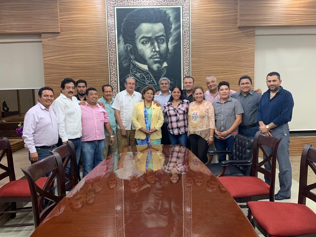 Diputados analizan el presupuesto con Adela Román