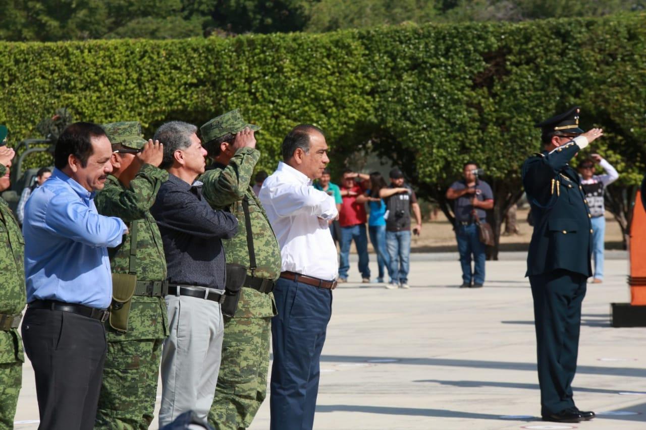 Asiste Astudillo a la ceremonia de toma de posesión y protesta de Bandera del mando especial Iguala