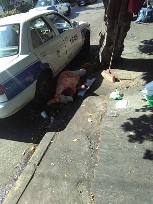 Atacan a tiros sitio de taxis en Acapulco y muere un chofer