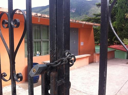 Reactivan clases en escuelas de Chilapa y Hueycantenango que suspendieron por la violencia