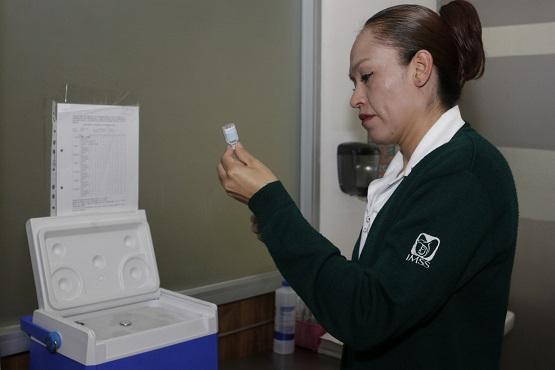 Reitera IMSS Exhorto para vacunarse contra influenza estacional