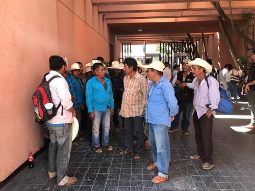 Desapareció CICAEG 6 mdp destinados a una carretera para Cochoapa, denuncian comisarios