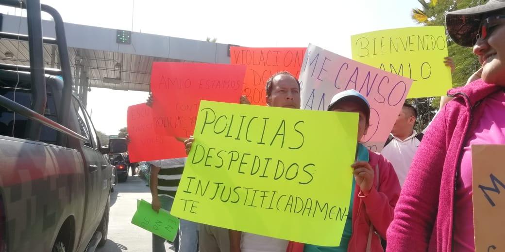 Una decena de protestas reciben al presidente de la República en Iguala