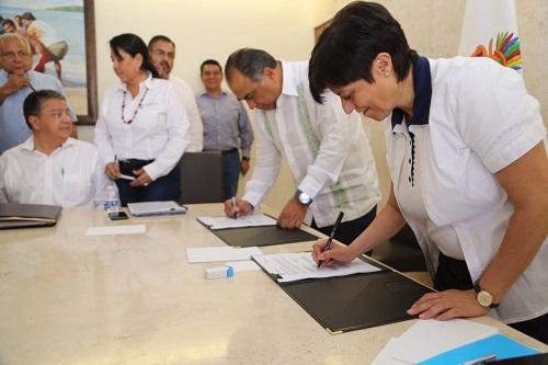 Firman convenio el gobernador y la directora de CONAGUA para la inversión en 2019