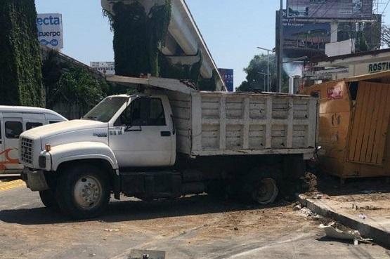 Accidente múltiple en la Glorieta de Puerto Márquez, preliminar 7 lesionados
