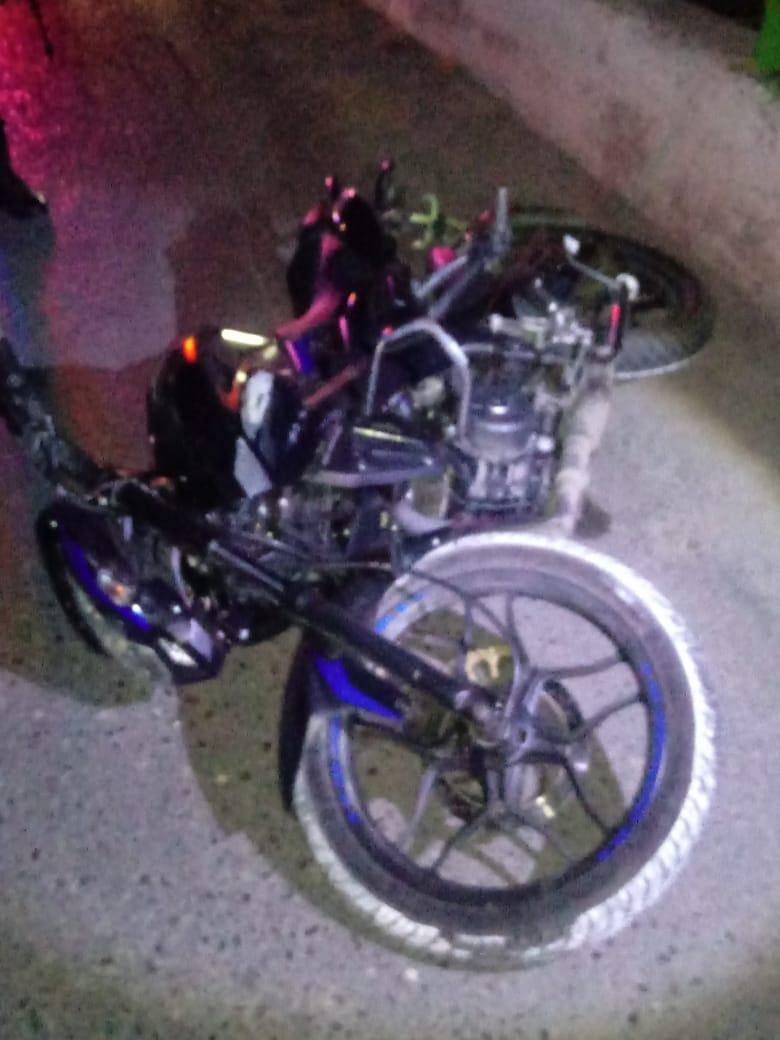 Muere joven motociclista al caer al río Huacapa, en Chilpancingo