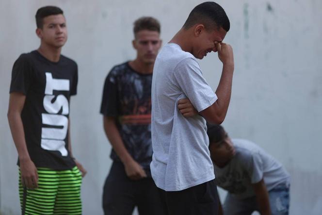 Tragedia sacude al futbol por incendio que dejó 10 muertos en Brasil
