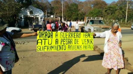 Bloquean más de diez horas la carretera federal Acapulco-Zihuatanejo