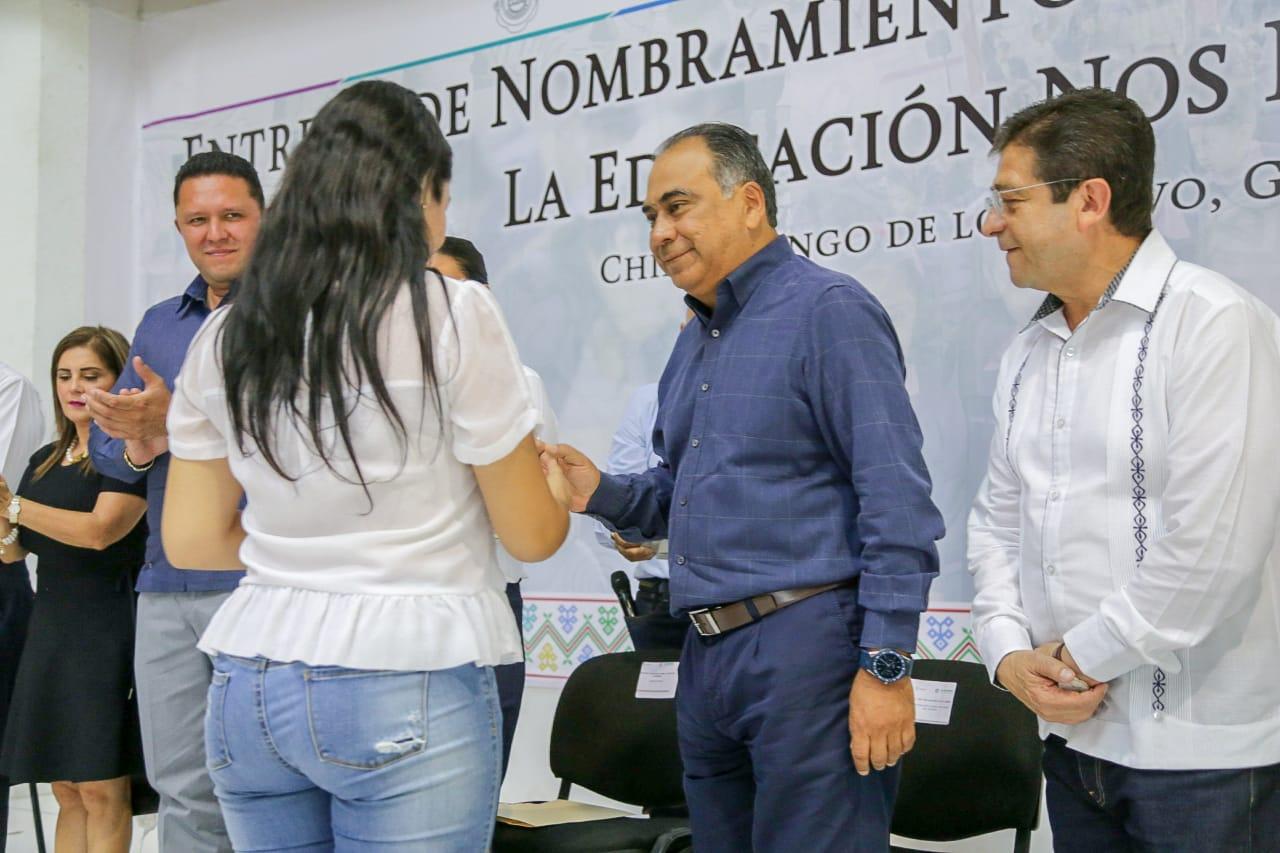 Guerrero se convierte en el primer estado del país en asignar profesores evaluados al 100%.
