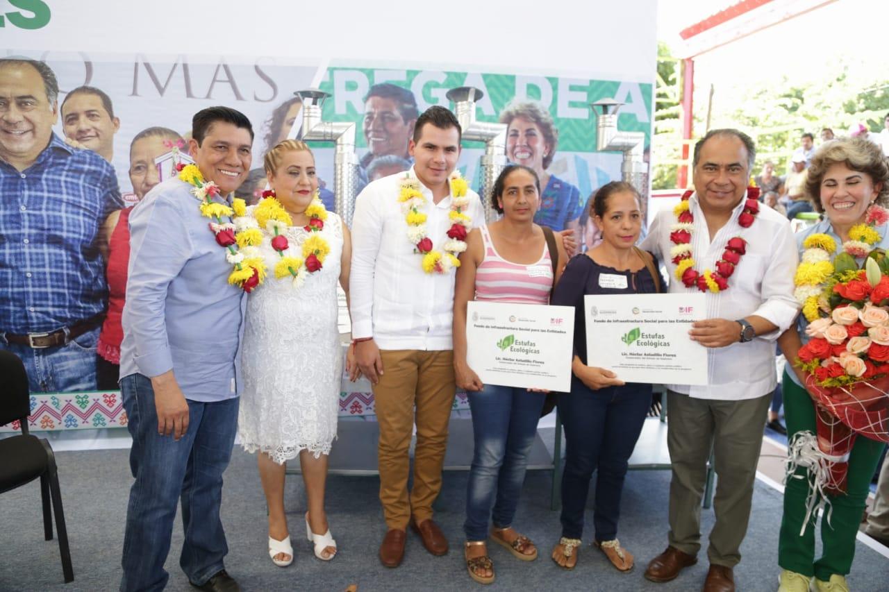 Entrega Astudillo apoyos sociales por más de 17 MDP en Tecpan de Galeana