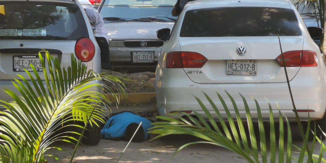 Un muerto y un herido, deja una agresión a tiros en el interior del parque papagayo en la zona del estacionamiento, la tarde de hoy