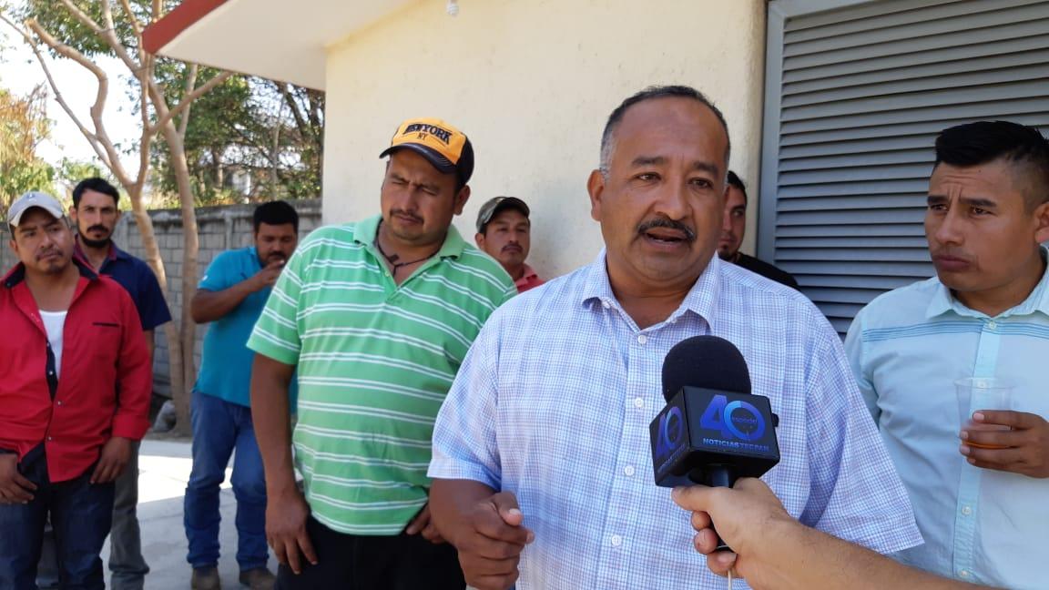 Por falta de maestros en la Sierra, mantienen tomada delegación de la SEG en Costa Grande