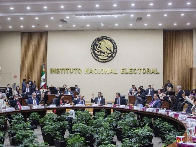 INE impone multas por 5.3 mdp a partidos por precampañas