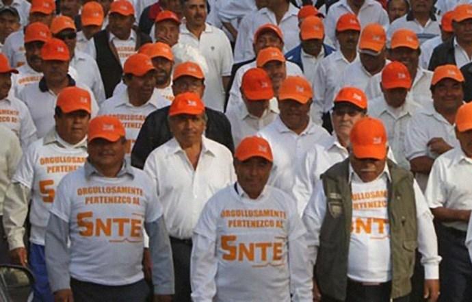 Toman maestros del SNTE 4 horas los Servicios Educativos en Tecpan