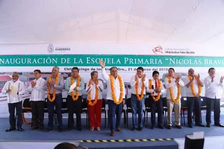 Héctor Astudillo inauguró instalaciones de la escuela Nicolás Bravo, en Chilpancingo