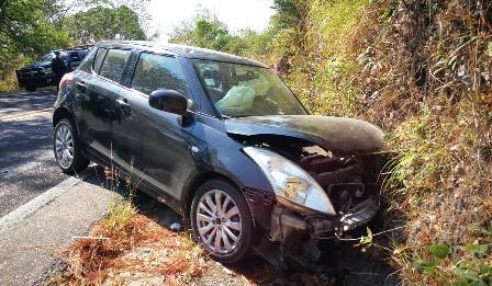 Cinco lesionados deja un choque en la carretera federal Acahuizotla-Ocotito
