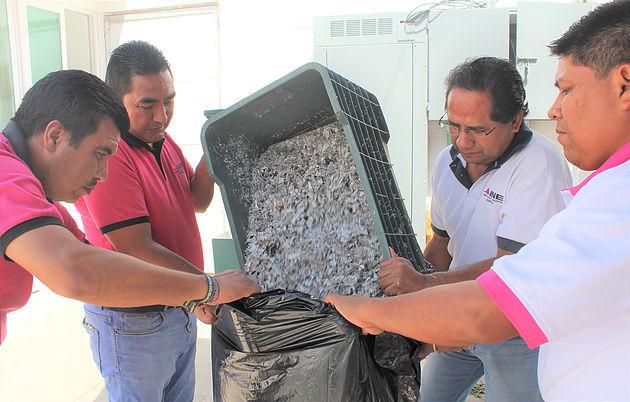 Destruye INE Guerrero más de 63 mil credenciales de elector