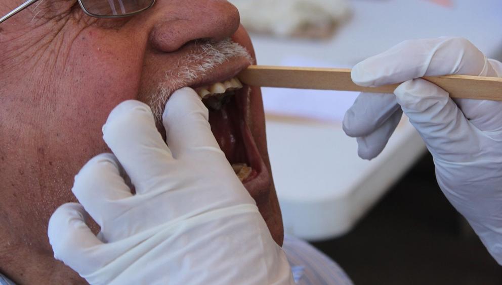 Con limpieza y visita al estomatólogo se preservan todas las piezas dentales: IMSS