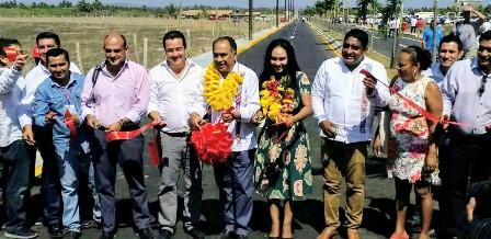 Inaugura Astudillo la vía Playa Azul – Playa Ventura
