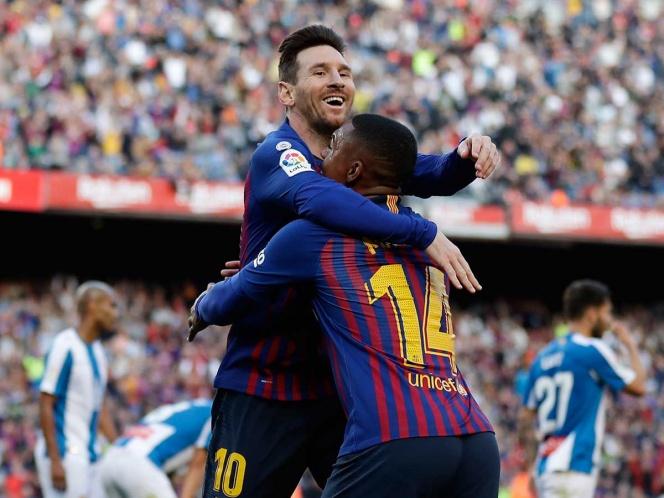 El Barça gana derbi catalán gracias a doblete de Messi