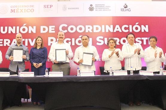 (Video) La participación ciudadana, vital para abatir el rezago educativo: Adela Román