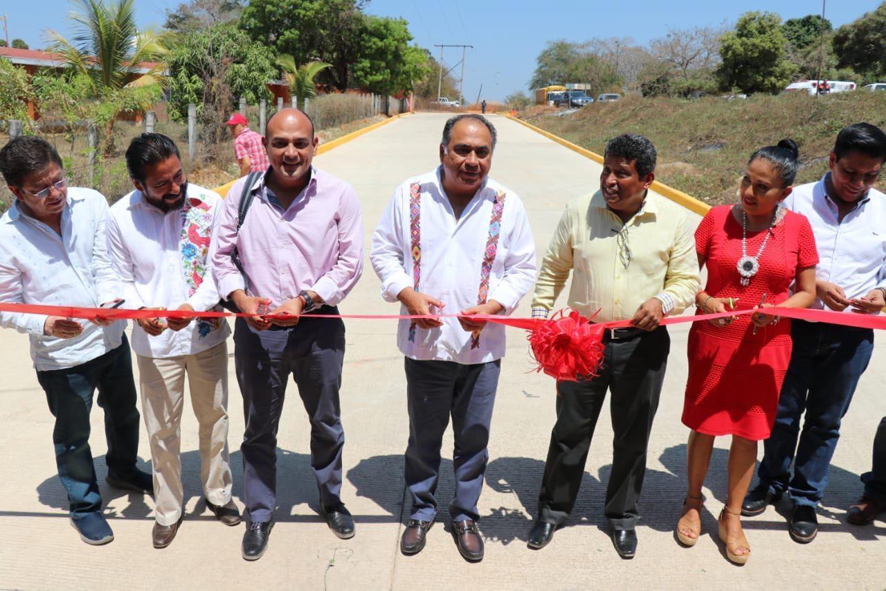 El gobernador Astudillo continúa inaugurando obras carreteras que mejora la conectividad de las y los habitantes de las comunidades de la Costa Chica.