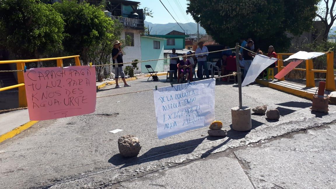 Bloquean en tres puntos de Chilpancingo para exigir agua potable