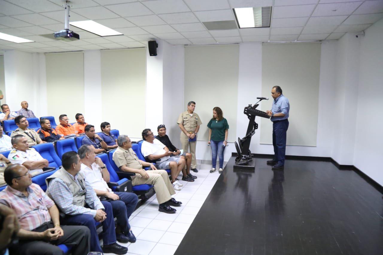 Gobernador Astudillo sostiene encuentro con medios para dar a conocer la situación de Puerto Marqués.