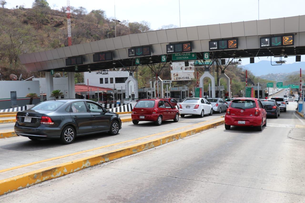 Arriban a Guerrero decenas de familias a los  destinos turísticos del triángulo del Sol.