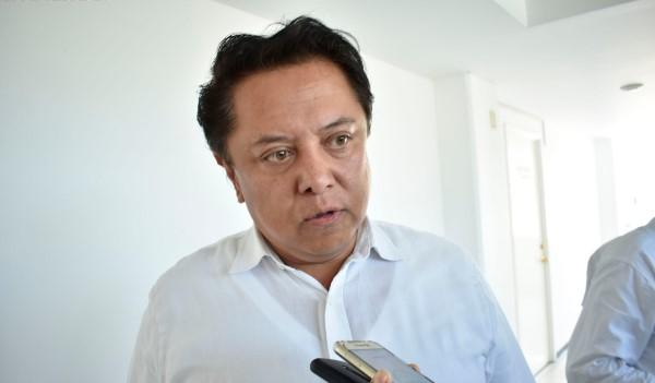 Pablo Sandoval pide a maestros fuera del FONE, «esperar» para que les paguen