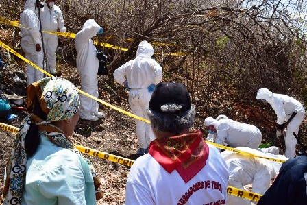 Los Otros Desaparecidos encuentran fosa con los restos de 3 personas