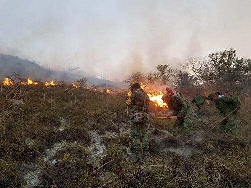 Fuerte incendio forestal en Tlapa