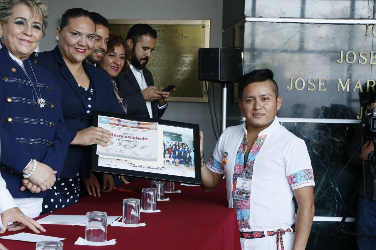 Empleo y educación algunas de las propuestas de los jóvenes que participaron en el parlamento juvenil 2019