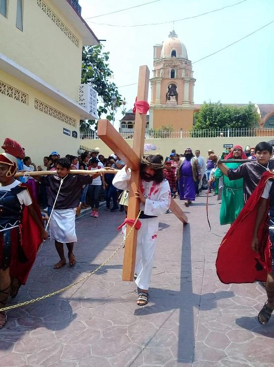 Se presenta la pasion de Cristo en Ayutla