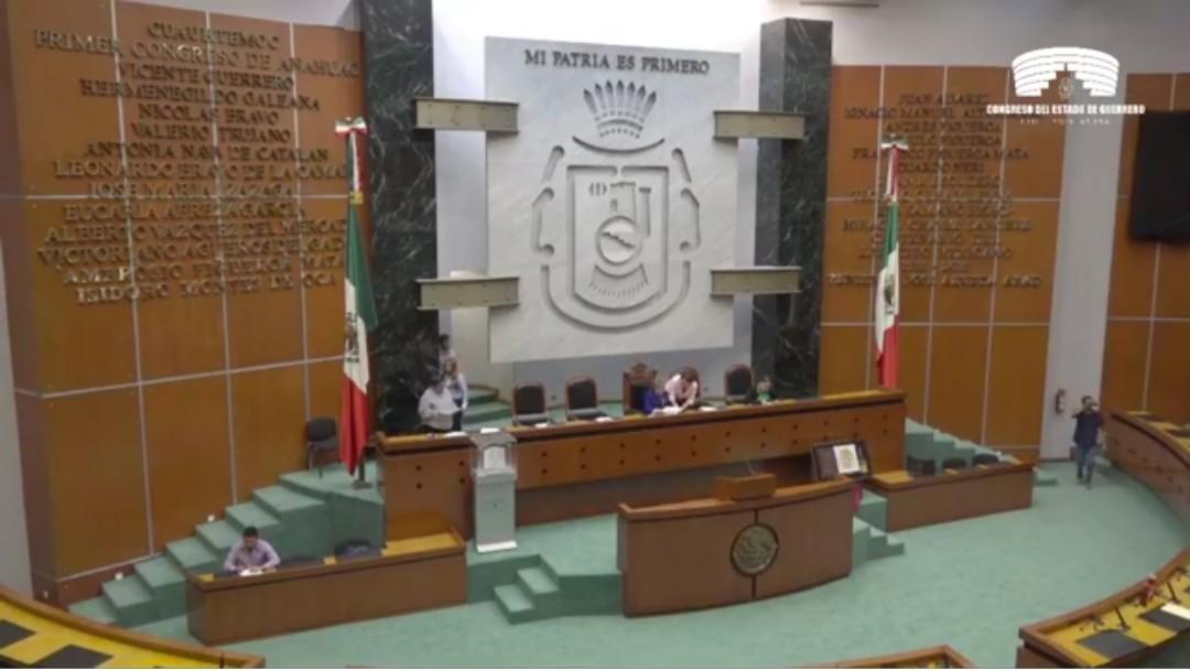 Sin concluir sesión dos días, diputados de Guerrero se dan vacaciones de 13 días