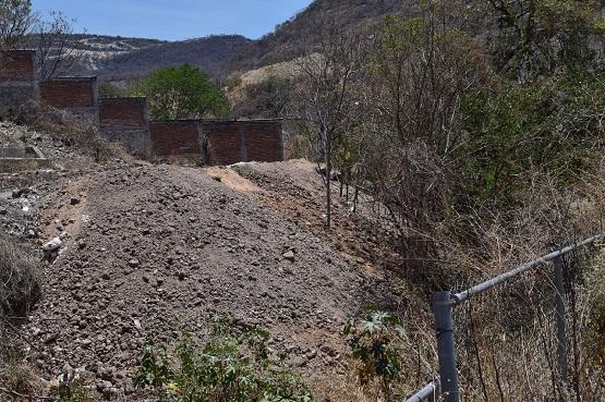 Después de ser exhibido, alcalde  anuncia acción legal por daños a presa Cerrito Rico