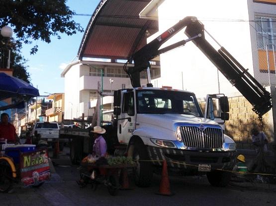 Se quejan usuarios de la CFE por constantes apagones en todo Chilapa
