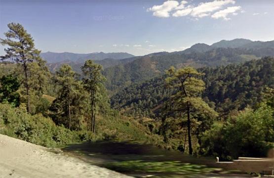 Amapoleros de la Sierra amagan con derribar helicópteros fumigadores
