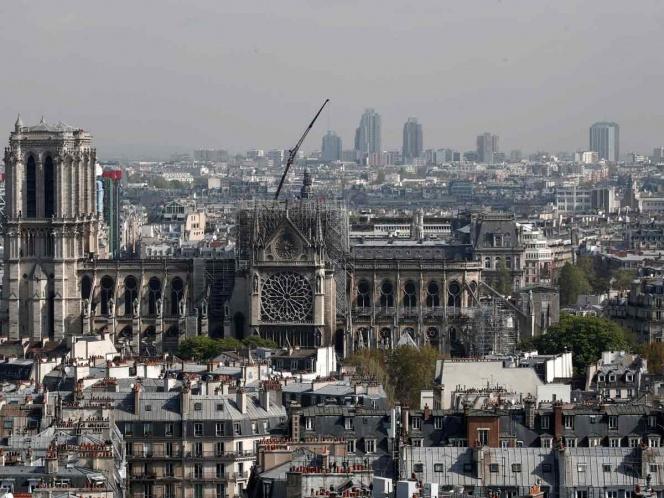 Cámara del campanario podría revelar causa de incendio en Notre Dame