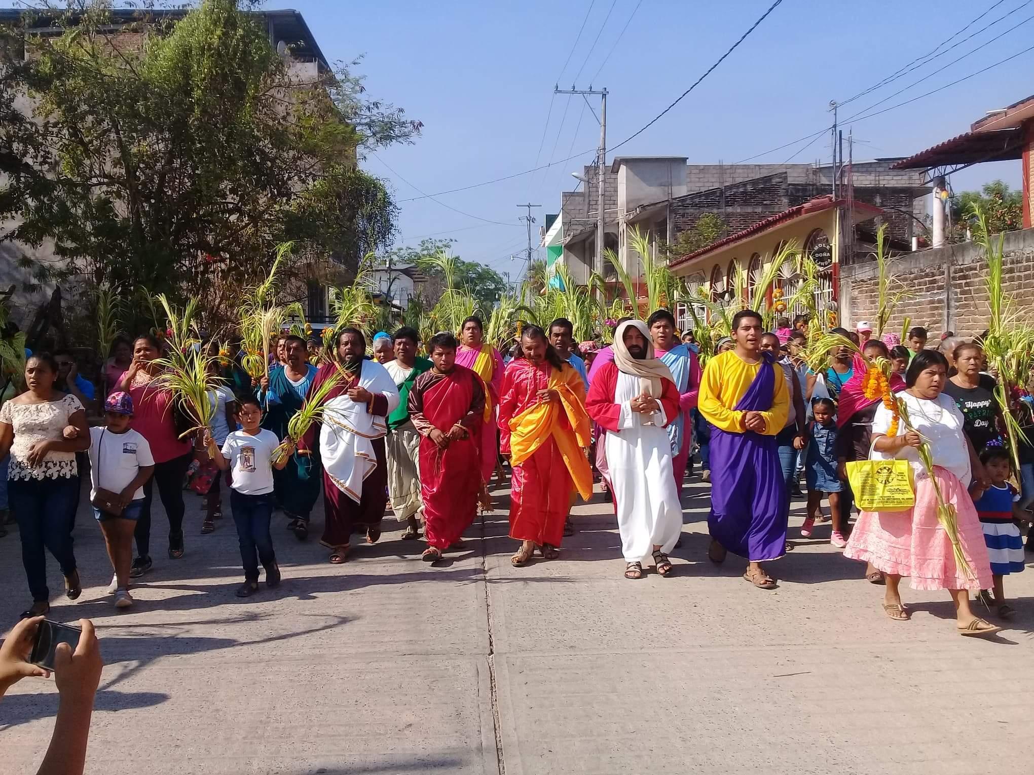 Se celebra el domingo de ramos en Ayutla