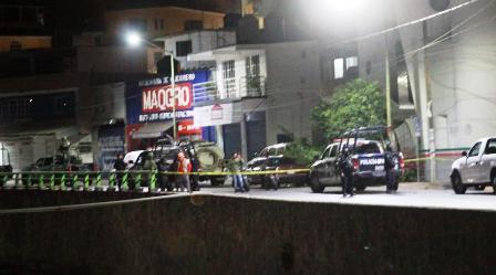 Dejan cuerpo desmembrado frente a la Zona Militar en Chilpancingo