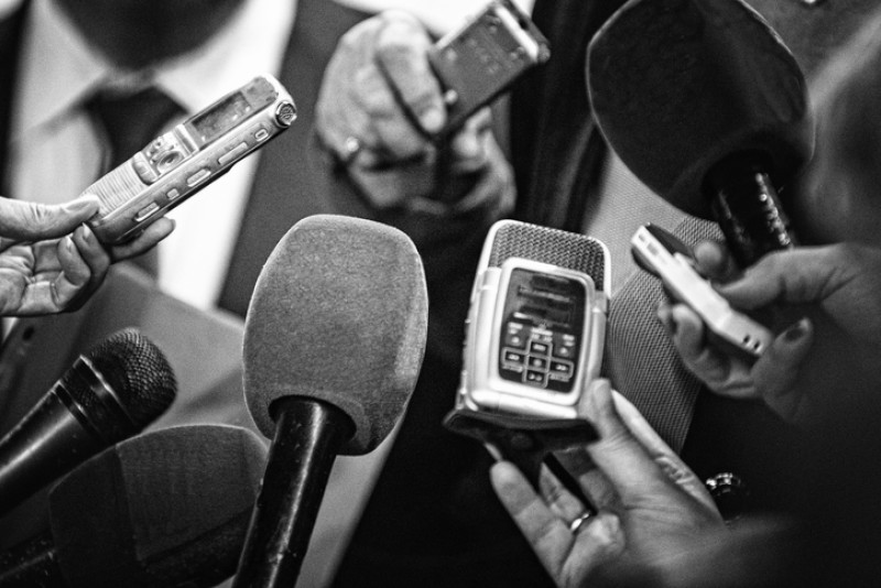 Todo el apoyo al compañero reportero no mas agresiones a la labor periodística