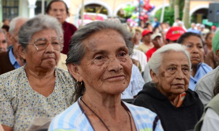 El gobierno del Estado, continuará pagando, adultos mayores del rango de 65 a 67 años y con discapacidad