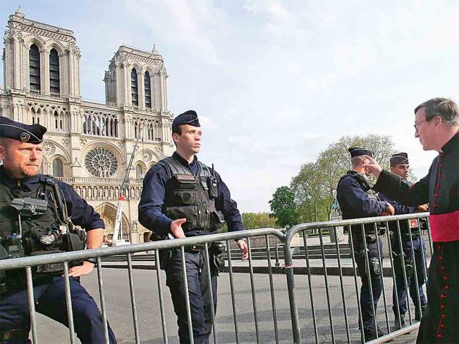 Notre Dame, cerrada al menos seis años