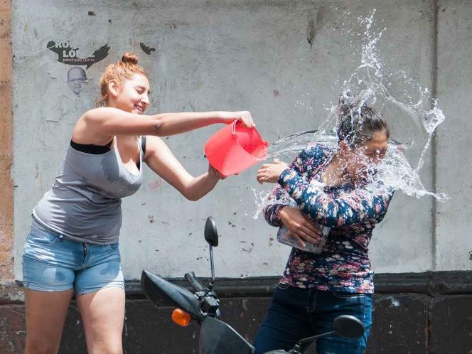 Estas son las multas por desperdiciar agua en 'Sábado de Gloria'