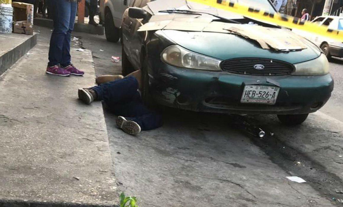 Asesinan a tiros a un hombre en el mercado de Coyuca de Benítez