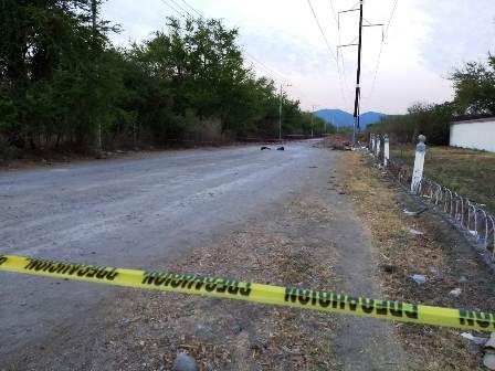 Asesinan a un hombre en acceso a panteón de Iguala