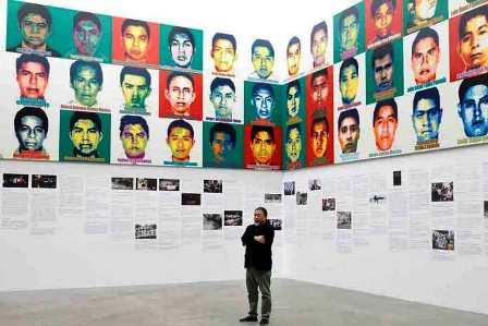 Ai Weiwei expone retratos en Lego de los estudiantes de Ayotzinapa desaparecidos en México en 2014