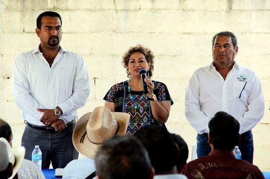 Facilitará Ayuntamiento inclusión de campesinos a programas federales: Adela Román
