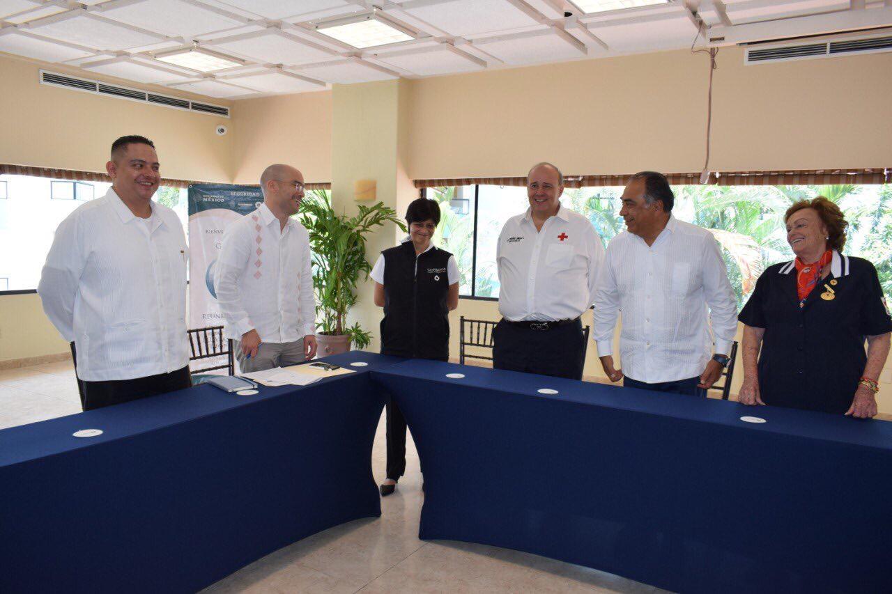 Astudillo firmó convenio junto a Fernando Suinaga, presidente de la Cruz Roja México